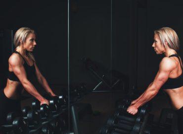 Przyjmowanie suplementów na trening